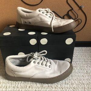 Tweens boys sperry cream color tennis shoes F15